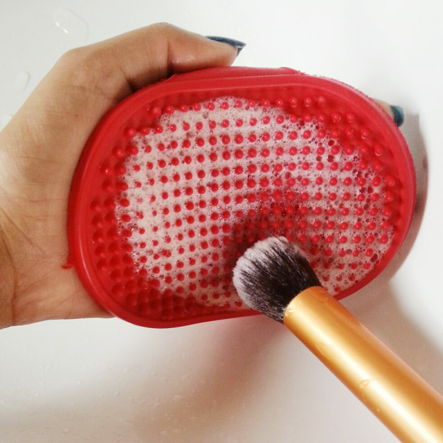 affordable way to clean makeup brushes