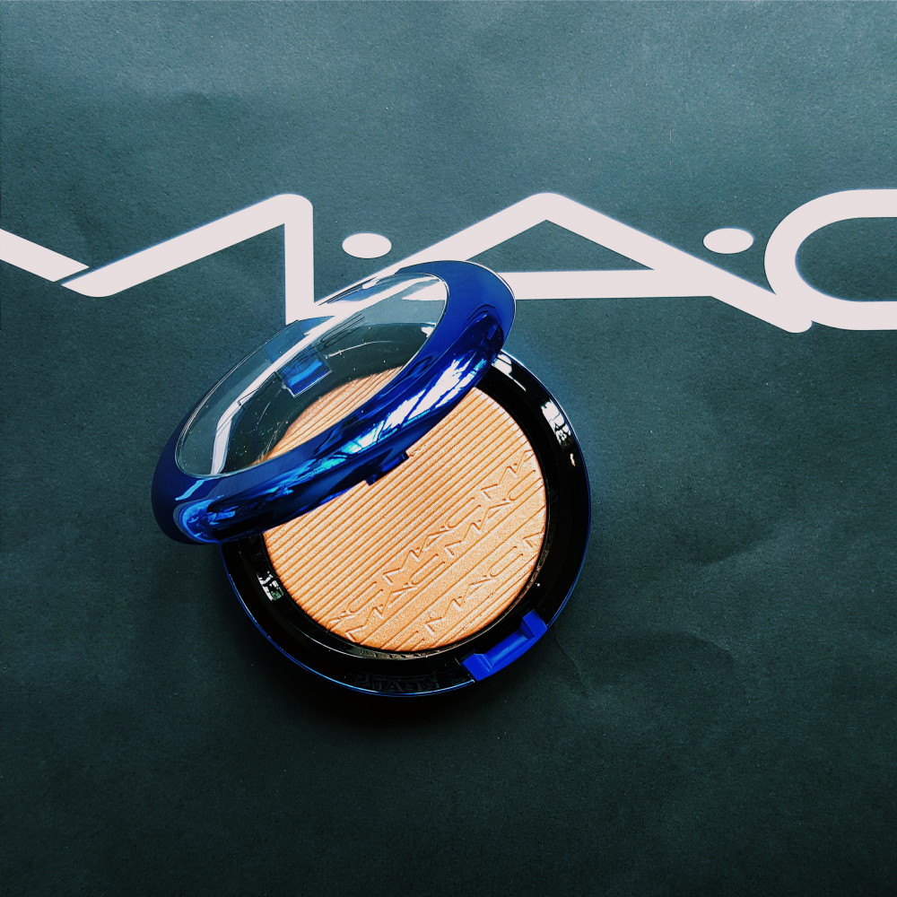 MAC magic of the night oh darling highlighter review and swatch