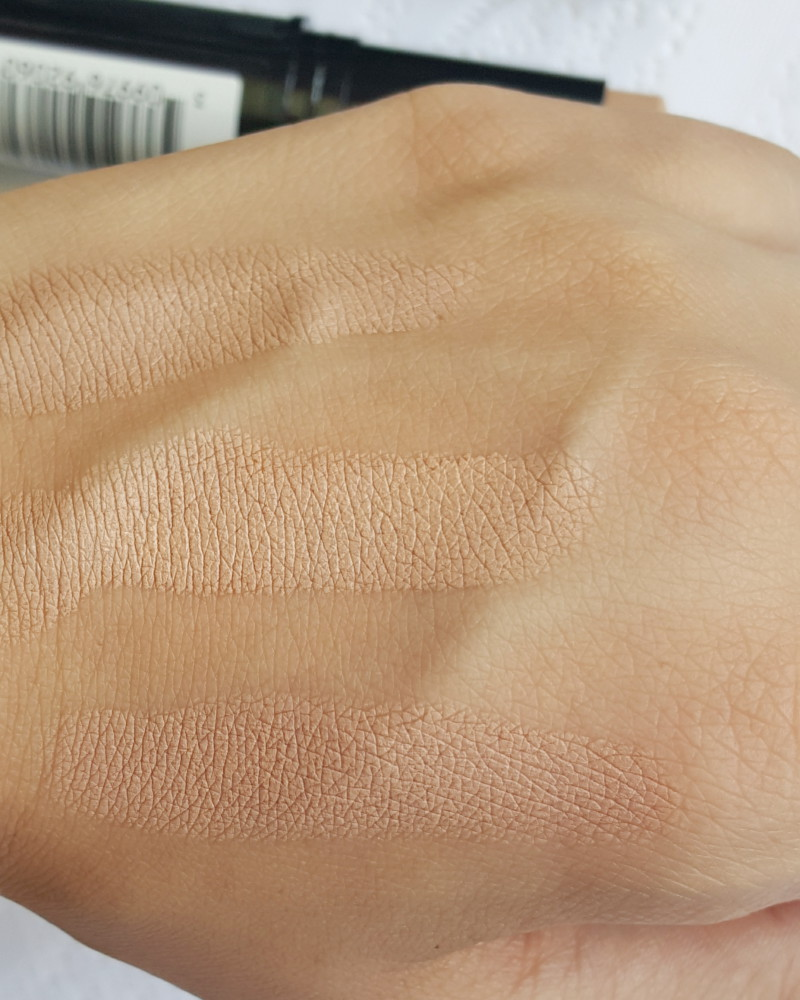 Revlon Photoready Instafix Foundation Swatch