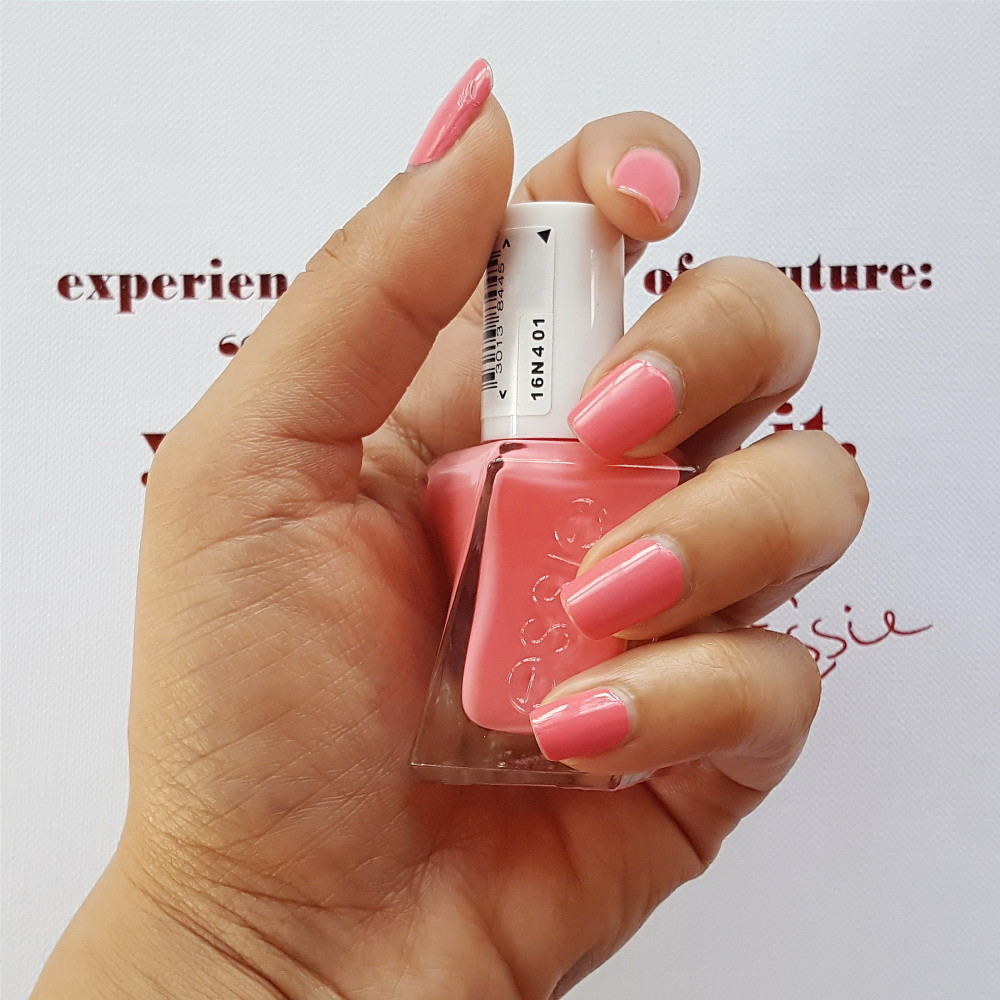 essie Gel Couture Signature Smile