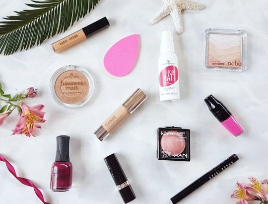Bronzed and Bright Summer Makeup Edit
