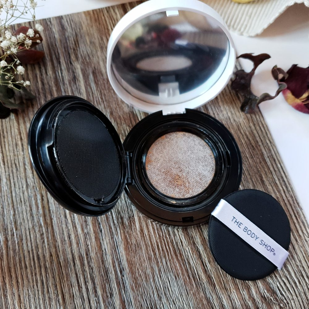 The Body Shop Fresh Nude Foundation Cushion Malawi Beach